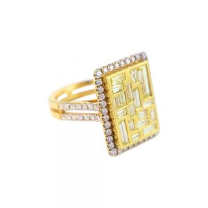 18K Yellow Gold & Diamonds Baguette Cocktail Ring